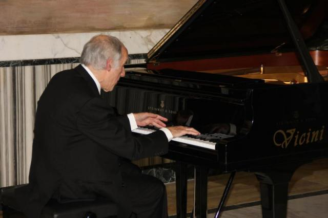 """Bruno Canino esegue """"Visioni"""", ultimo quadro della raccolta """"Percorsi"""" del compositore Francesco Marino"""