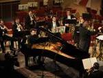 "L'Orchestra Sinfonica MÁV diretta da Tamás Csurgó mentre esegue ""Ricercare"" di Francesco Marino"