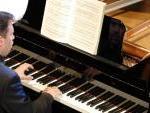 il pianista Roberto Issoglio